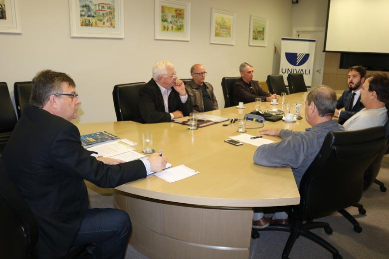 2018-05-25-Reunião Univali e Observatório Social de Itajaí.png
